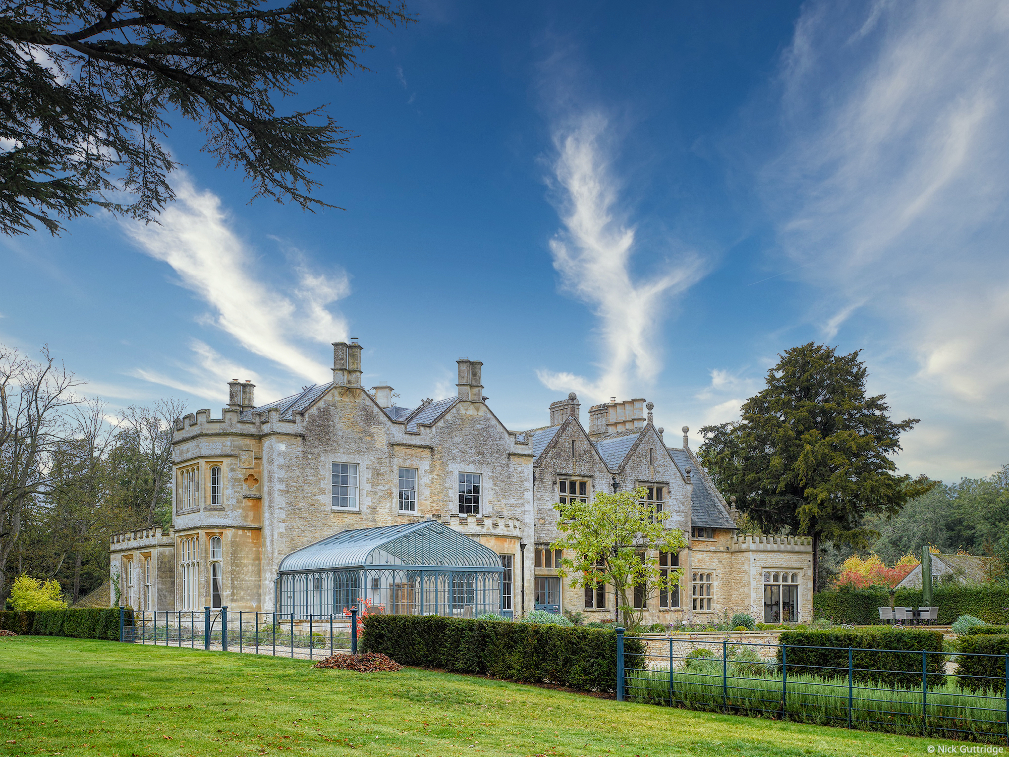 GRADE II COTSWOLDS HOUSE