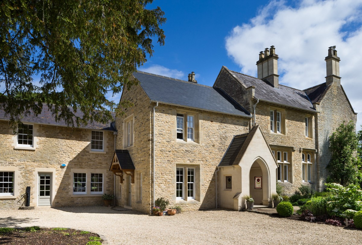 REFURBISHMENT AND EXTENSION OF FORMER COTSWOLD RECTORY